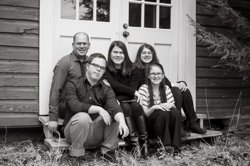 family photo of Stephanie Meredith and her husband and 3 children